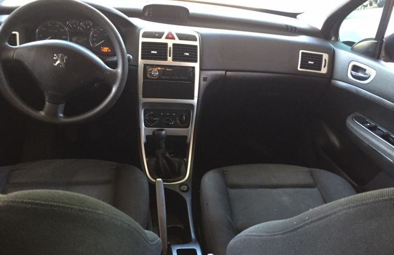 Peugeot 307 Hatch. Presence 1.6 16V (flex) - Foto #9