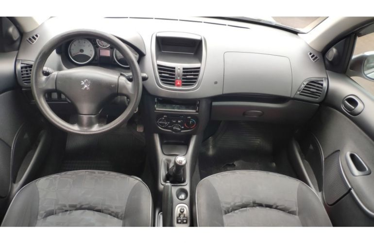 Peugeot 207 Hatch XR S 1.4 8V (flex) - Foto #7