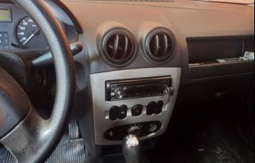 Renault Logan Expression 1.0 16V (Flex) - Foto #5
