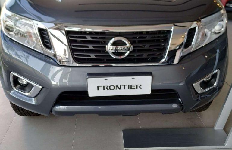 Nissan Frontier 2.3 CD XE 4x4 (Aut) - Foto #1