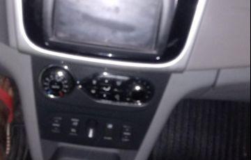 Renault Logan Dynamique 1.6 16V SCe (Flex) - Foto #4