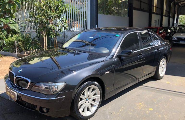 BMW 750i 4.4 V8 - Foto #1
