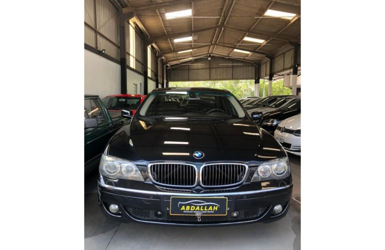 BMW 750i 4.4 V8 - Foto #4