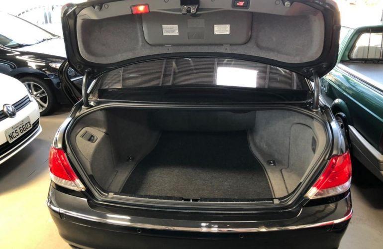BMW 750i 4.4 V8 - Foto #6
