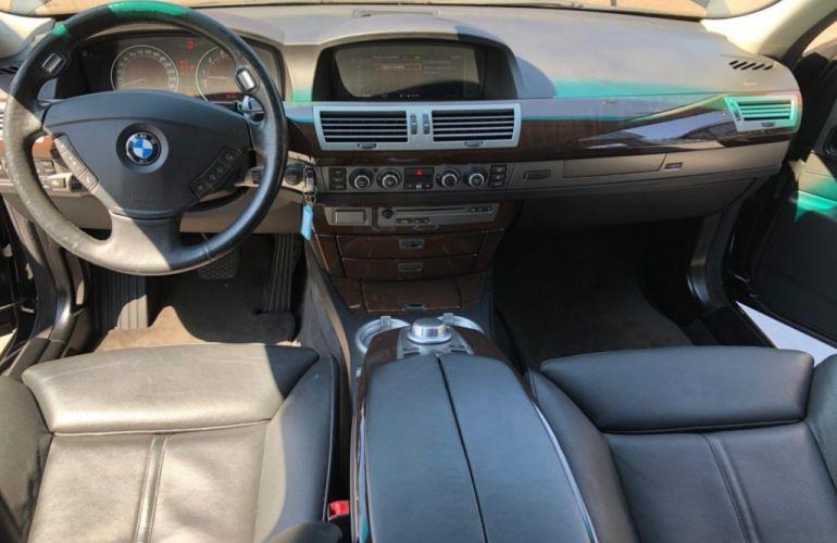 BMW 750i 4.4 V8 - Foto #7