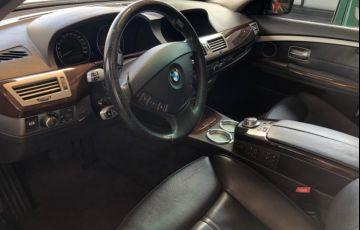 BMW 750i 4.4 V8 - Foto #8