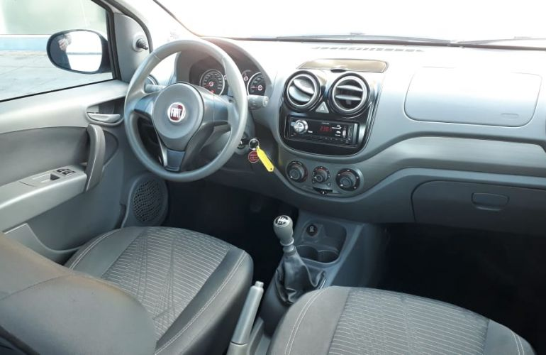 Fiat Palio Attractive 1.0 8V (Flex) - Foto #8