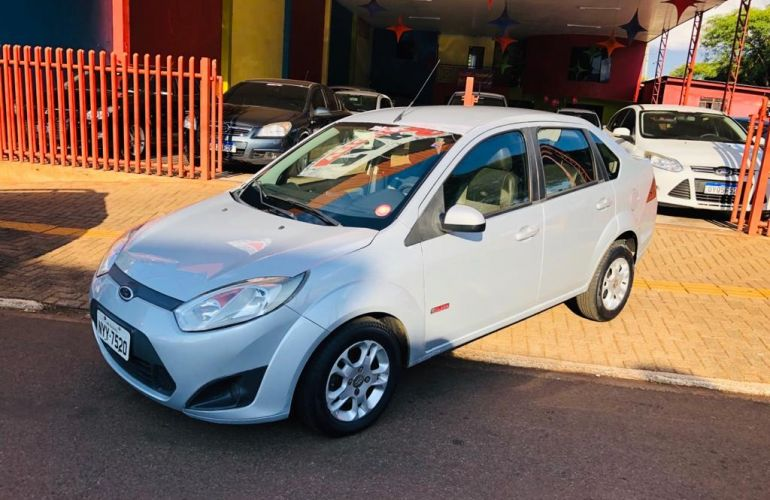 Ford Fiesta Sedan SE 1.6 Rocam (Flex) - Foto #2