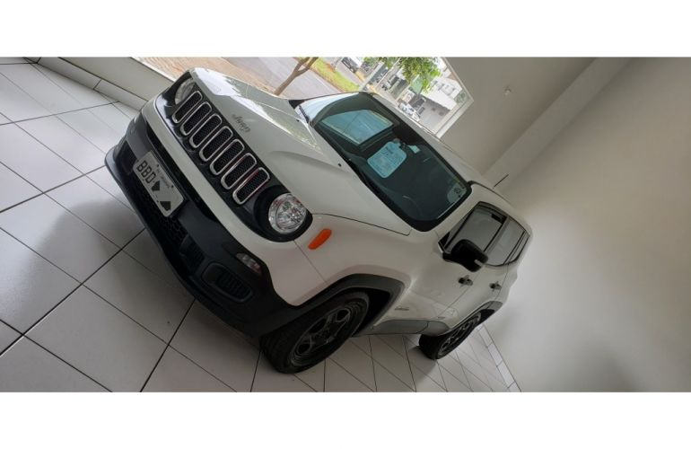 Jeep Renegade 1.8 (Aut) - Foto #1