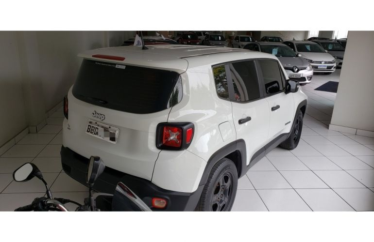 Jeep Renegade 1.8 (Aut) - Foto #3