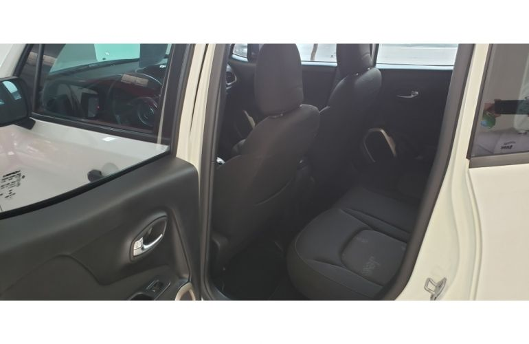 Jeep Renegade 1.8 (Aut) - Foto #8