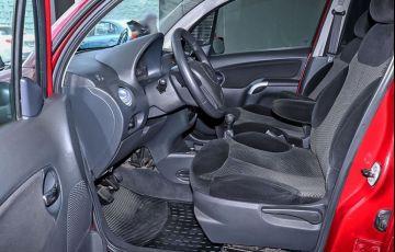 Citroën C3 1.4 I Exclusive 8v - Foto #4