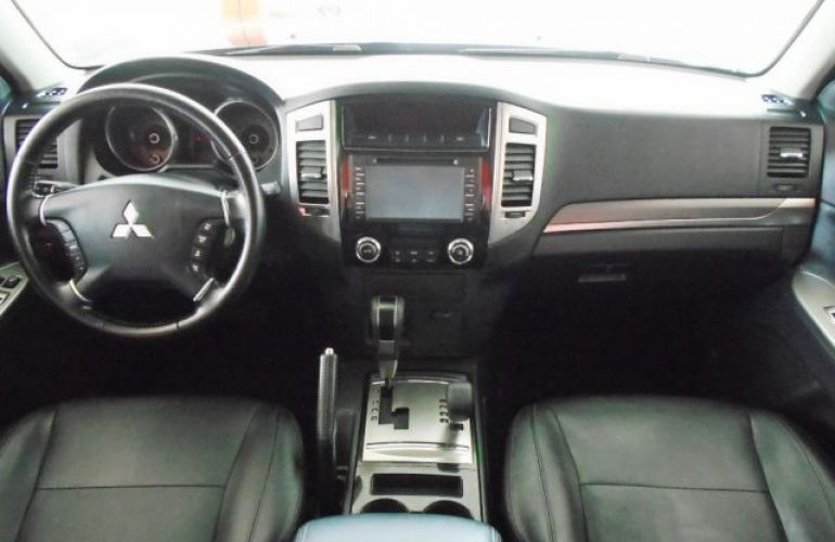 Mitsubishi Pajero Full HPE DI-D 5D 3.2 16V 4WD - Foto #4