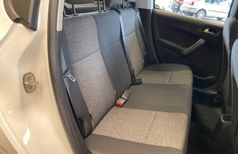 Peugeot 208 1.2 Active - Foto #10