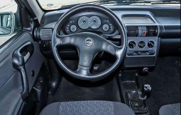 Chevrolet Corsa 1.0 MPFi Classic Sedan Life 8v - Foto #6