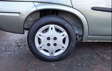 Chevrolet Corsa 1.0 MPFi Classic Sedan Life 8v - Foto #9