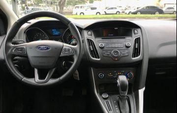 Ford Focus 2.0 SE Fastback 16v - Foto #7