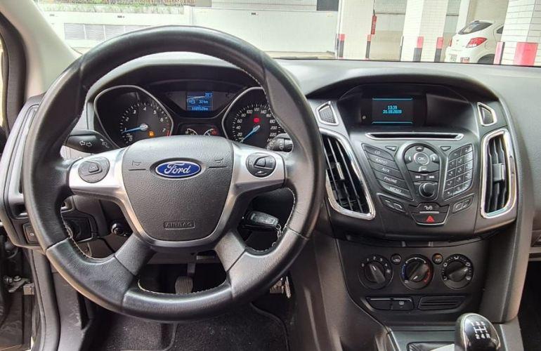 Ford Focus 1.6 SE 16v - Foto #9