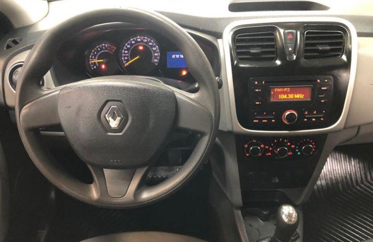 Renault Logan 1.6 Expression 8v - Foto #9