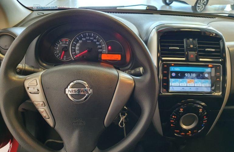 Nissan March 1.6 16V SL (Flex) - Foto #6