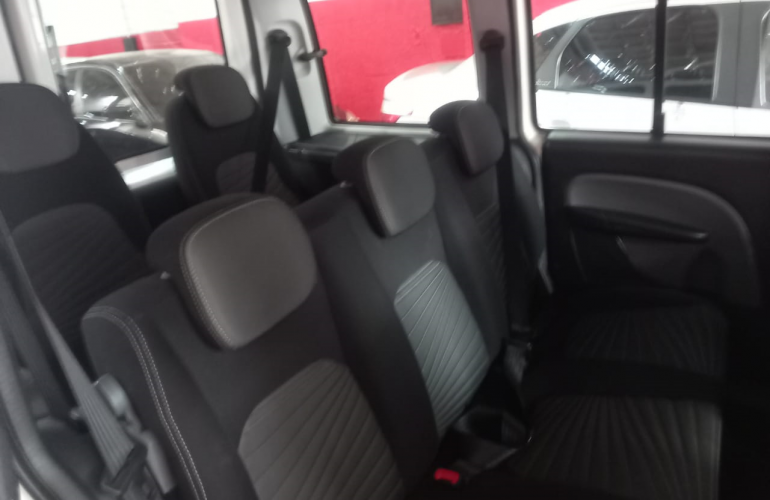 Fiat Doblò Essence 1.8 16V (Flex) - Foto #4