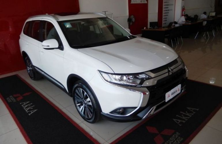 Mitsubishi Outlander HPE 2.0 CVT - Foto #3