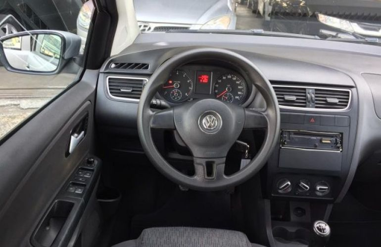 Volkswagen Fox 1.0 Mi 8V Total Flex - Foto #6