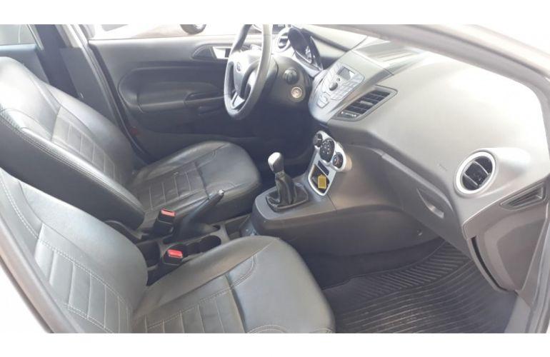 Fiat Toro Freedom 1.8 AT6 4x2 (Flex) - Foto #8