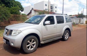 Nissan Pathfinder SE 4x4 2.5