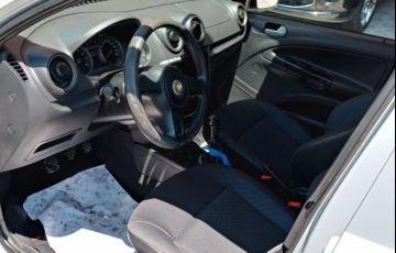 Volkswagen Voyage 1.0 Mi 8v - Foto #7