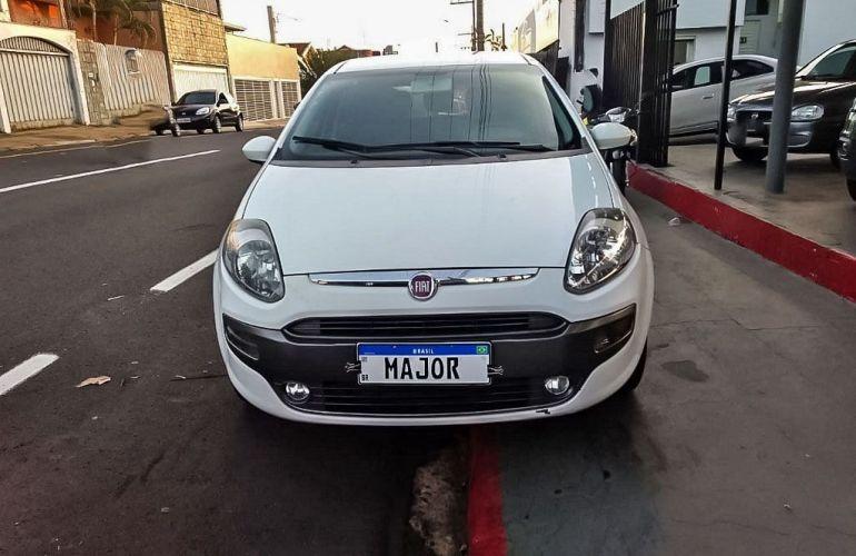 Fiat Punto 1.6 Essence 16v - Foto #1