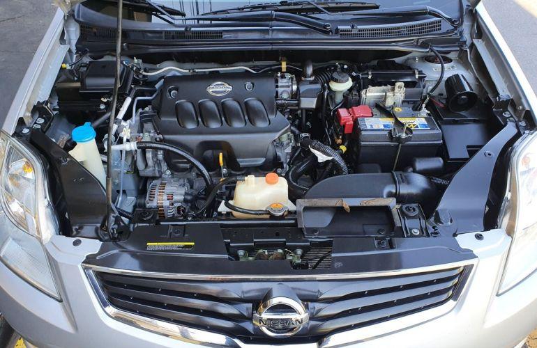 Nissan Sentra 2.0 16V - Foto #6