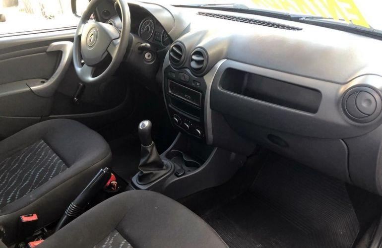 Renault Logan 1.0 Authentique 16v - Foto #6