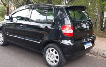 Volkswagen Fox Plus 1.0 8V (Flex) - Foto #2