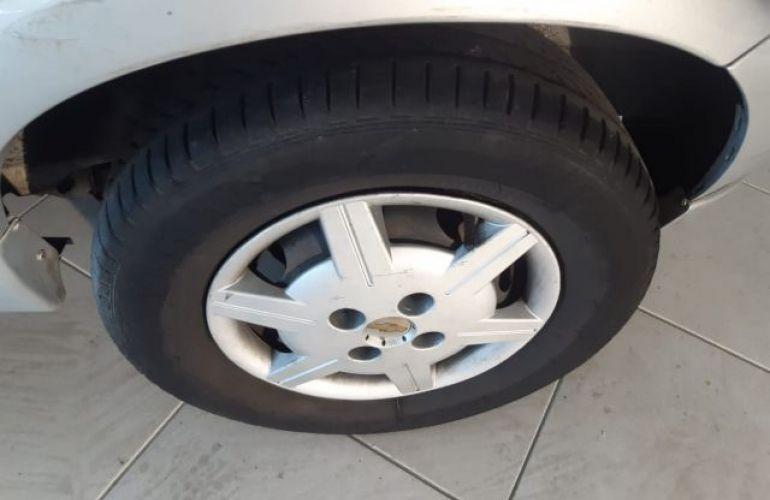Chevrolet Celta 1.0 VHC 8V - Foto #4