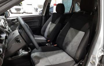 Ford Fiesta 1.6 MPi Class Sedan 8v - Foto #5