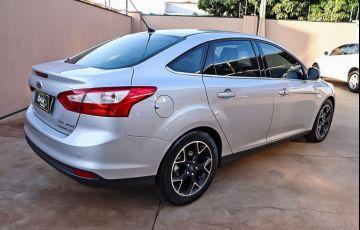 Ford Focus 2.0 Titanium Sedan 16v - Foto #6