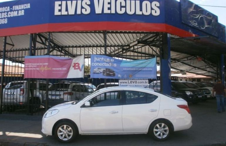 Nissan Versa 1.6 SL 16v - Foto #1
