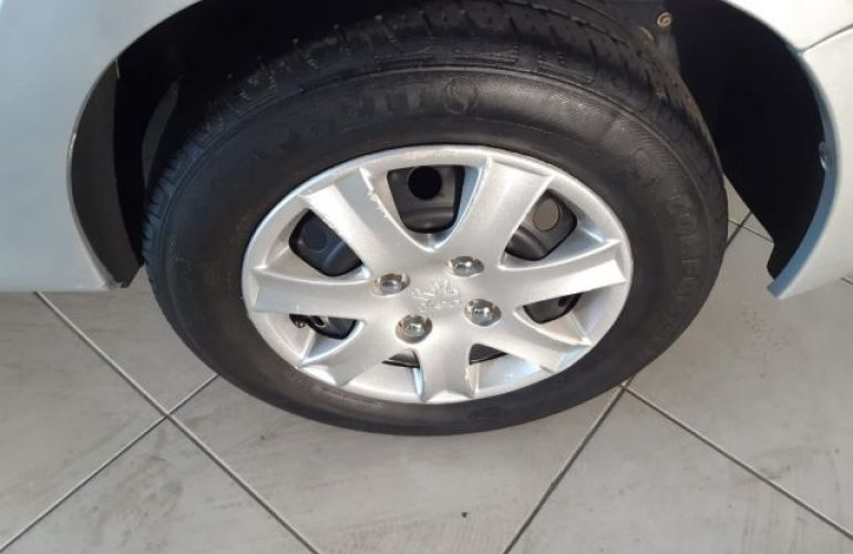 Peugeot 207 XR 1.4 8V Flex - Foto #4