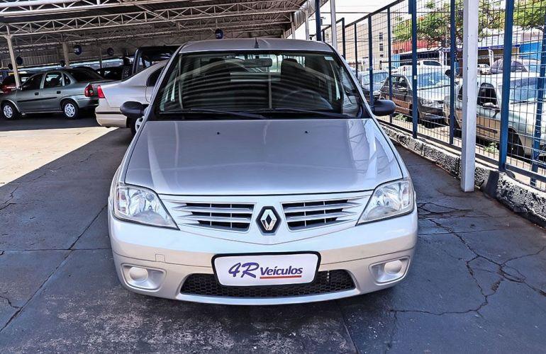Renault Logan 1.6 Expression 16v - Foto #1