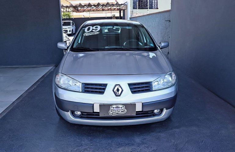 Renault Megane 2.0 Expression Sedan 16v - Foto #1
