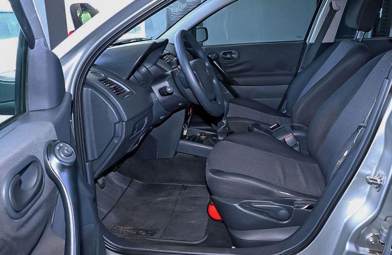 Renault Megane 2.0 Expression Sedan 16v - Foto #4