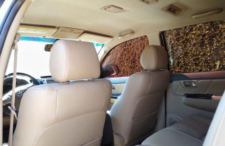 Toyota Hilux SW4 SRV 3.0 4X4 (7 Lugares) - Foto #9