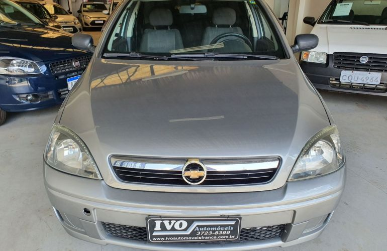 Chevrolet Corsa 1.4 MPFi Maxx Sedan 8v - Foto #1