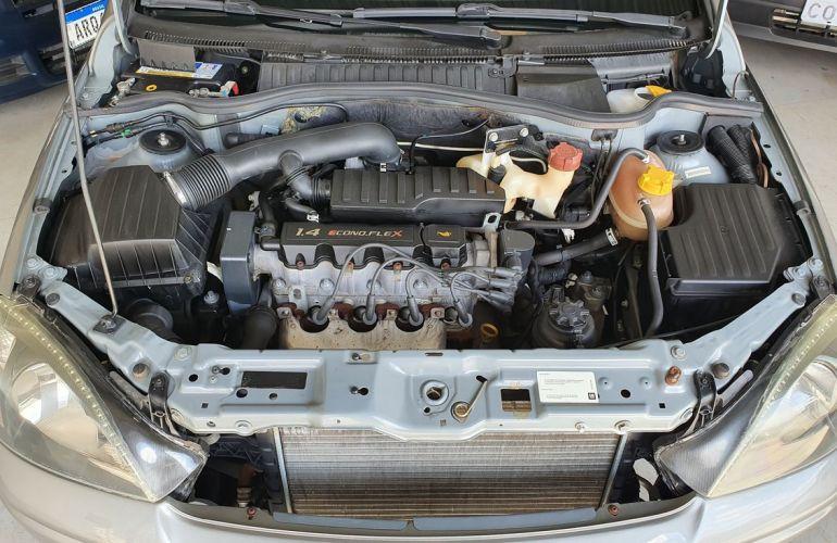 Chevrolet Corsa 1.4 MPFi Maxx Sedan 8v - Foto #6