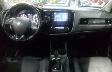 Mitsubishi Outlander 3.0 Gt 4x4 V6 24v - Foto #8