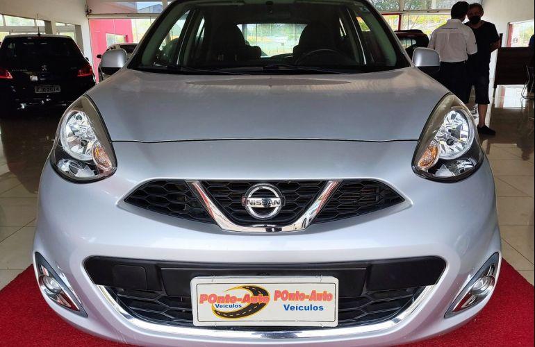 Nissan March 1.0 SV 12v - Foto #1