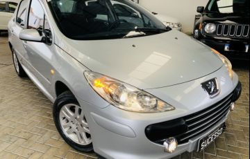 Ford Focus Sedan SE 2.0 16V PowerShift (Aut)