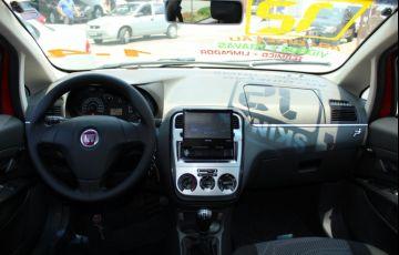 Fiat Punto 1.4 Attractive 8v - Foto #6