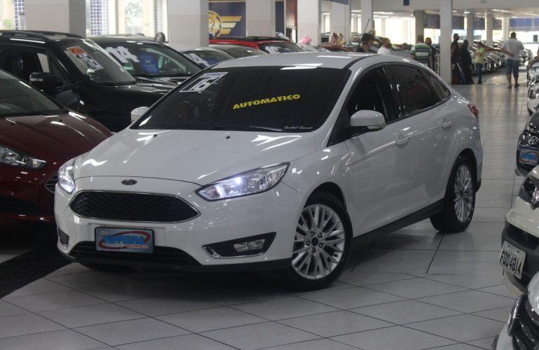 Ford Focus 2.0 SE Plus Fastback 16v - Foto #1